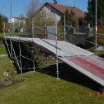 Brücke aus Modulgerüst