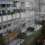 Gerüstbau in Münchens Hinterhöfen mit Alu - Gerüsten